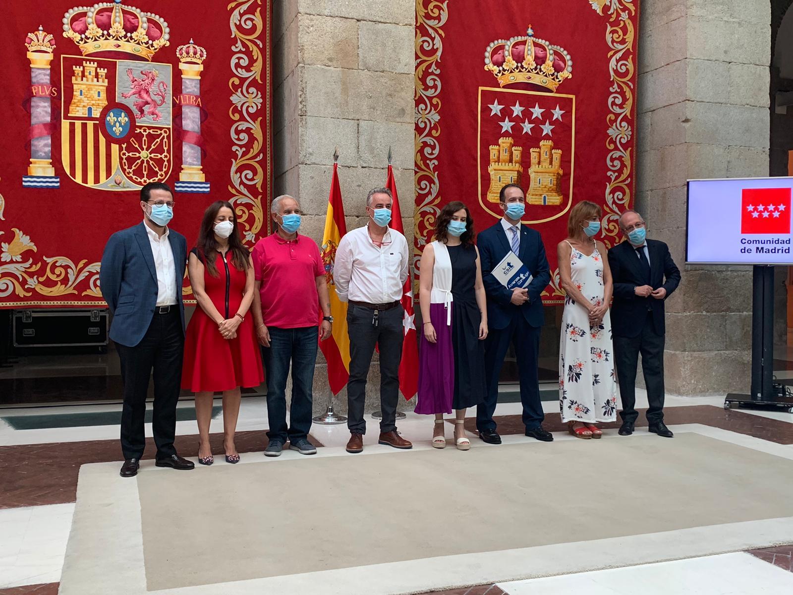 Consejero de Hacienda y FP (Javier Lasquetty), D.G. FP (Mª José Esteban), Sº Gral de FSP-UGT Madrid (Santiago Tamame), Sº Gral FSC-CCOO (Javier Díaz), Presidenta de la CM (Isabel Díaz Ayuso), Sº Gral CSIT UNIÓN PROFESIONAL (José Ángel Montero), Presidenta