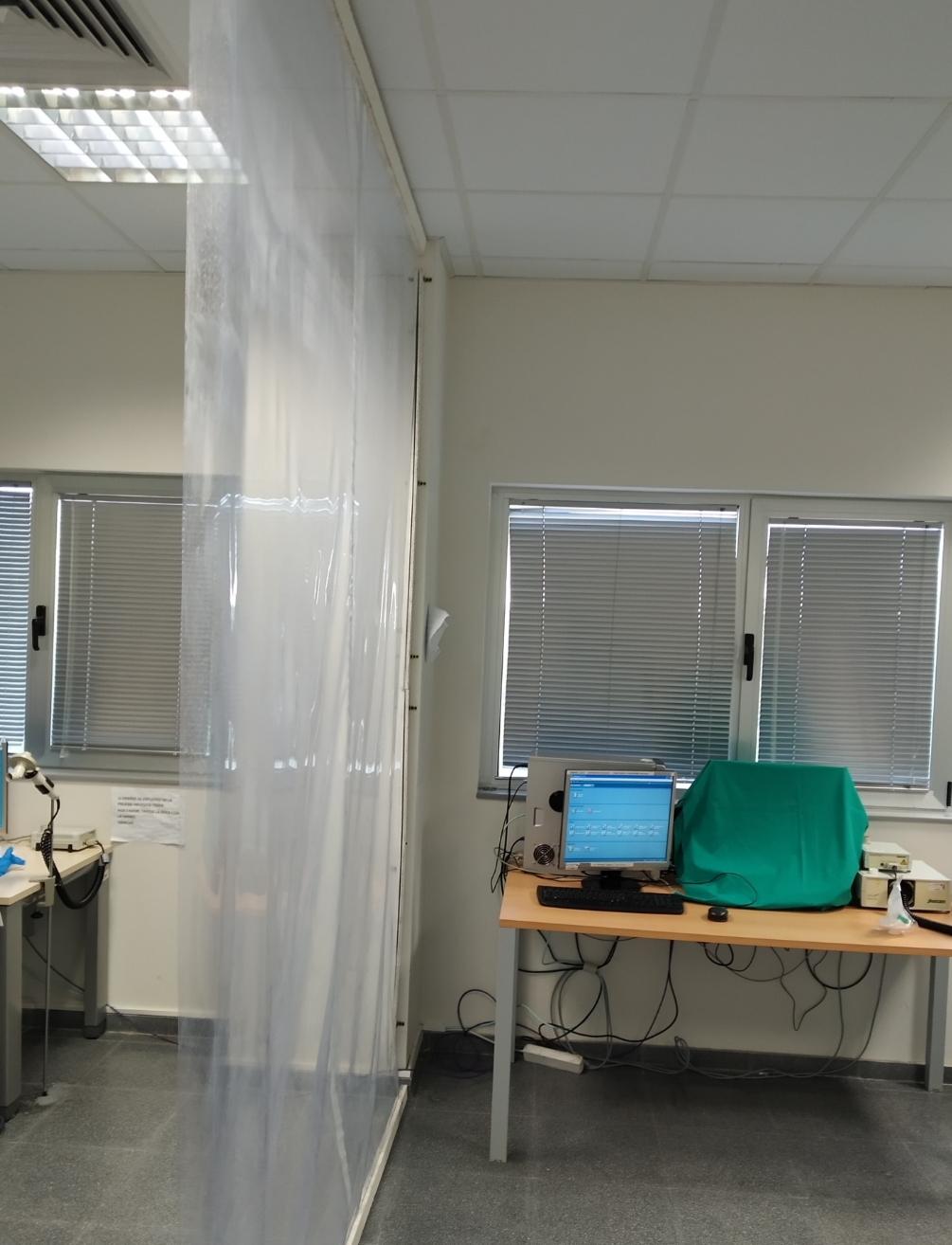 La nueva sala  de  espirometría no cumple las condiciones de seguridad que se requieren, ni cuenta con tomas de oxígeno y lavabo.
