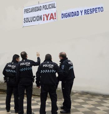 REUNIÓN POLICÍA
